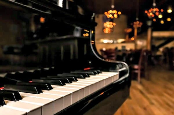 How to memorize a beginner piano repertoire.